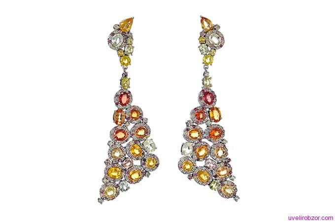 Серьги с разноцветными сапфирами и бриллиантами, золото 14-карат  (цена $ 3150).
