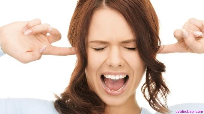 Почему болят уши от сережек